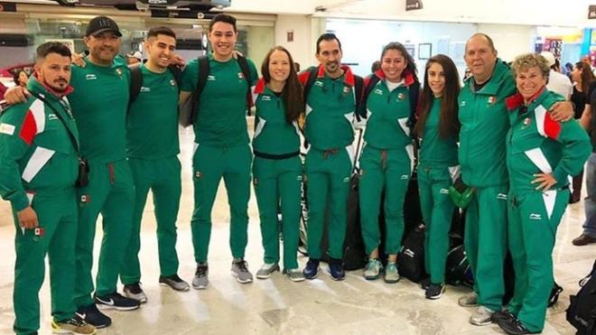 Viaja contingente de ráquetbol, vela y voleibol de sala rumbo a Lima.